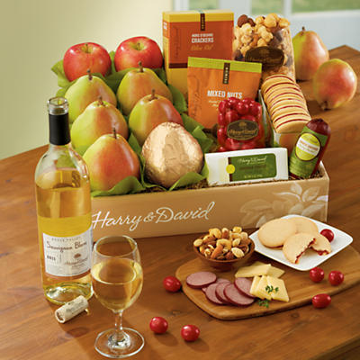 <span style=color:#bb0011>NEW</span> Bear Creek® Gift Box with Wine