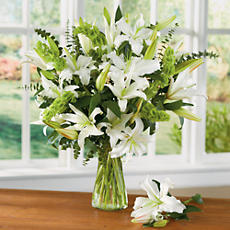 <span style=color:#bb0011>NEW</span> White Lily Bouquet