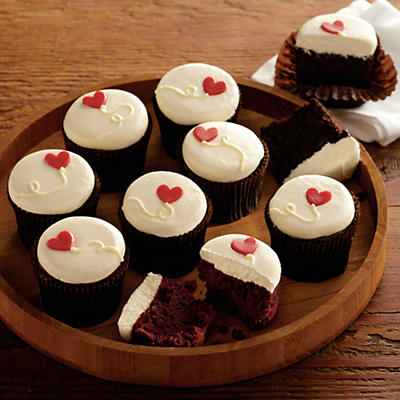 More Valentine's Day Cupcakes