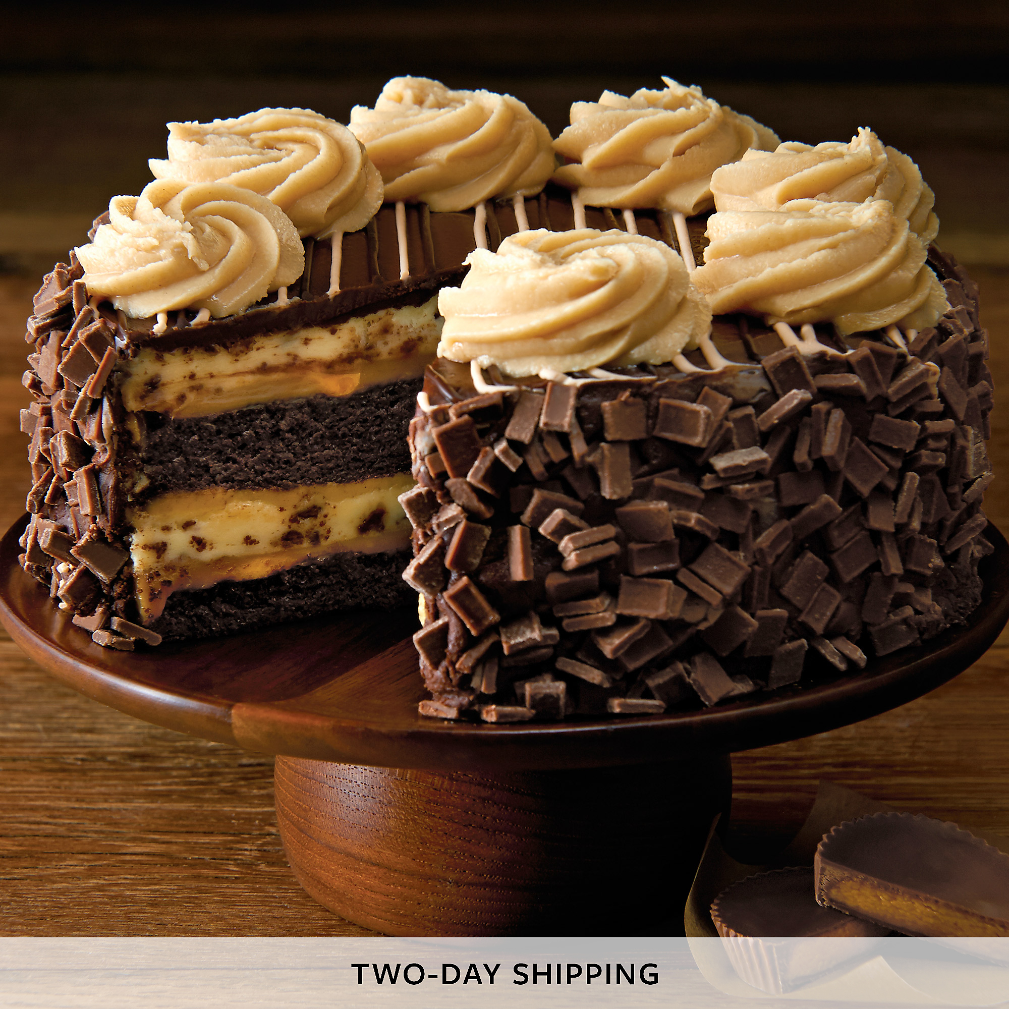 Cheesecake Factory® REESE'S® Peanut Butter Chocolate Cake Cheesecake ...