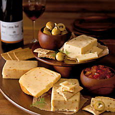 Spicy Cheese Gift Crate with Wine