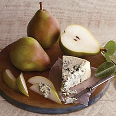 Royal Riviera® Pears and St. Pete's Select Blue Cheese