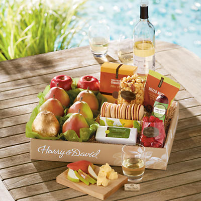 Bear Creek® Gift Box with Wine